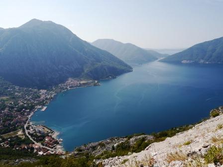 2013-08-30-nr2-MNE-Bucht von Kotor-Blick von oben