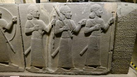 2014-05-24-nr132-TR-Ankara-Museum anatolische Zivilisation-Steinartefakte-Krieger