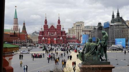 2015-04-24-nr121-RUS-Moskau-Roter Platz-Basilius Kathedrale-Blick auf Roten Platz-komp